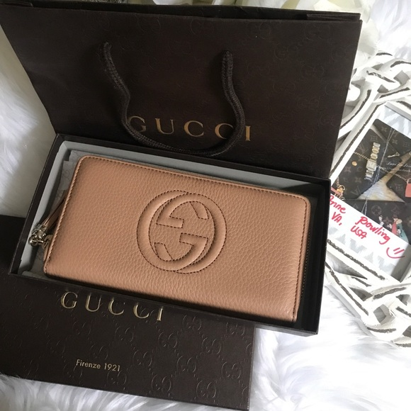 63d90d69839 Gucci Soho Leather Zip Around Wallet